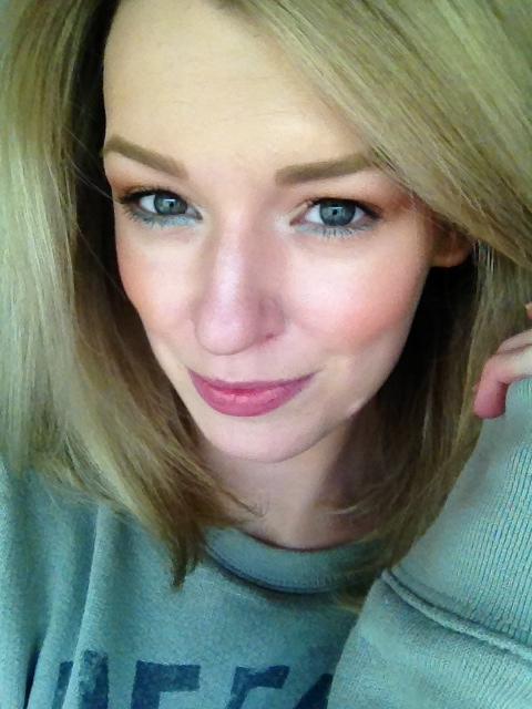Zoe Newlove Beauty Blogger