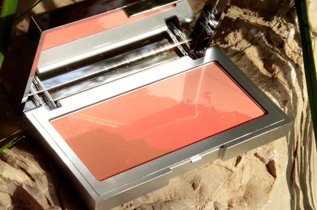 Bold Coral Multi tone blush by Kiko Cosmetics
