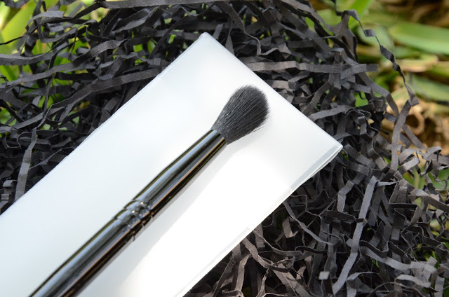 A photograph of Illamasqua Blending Brush 1
