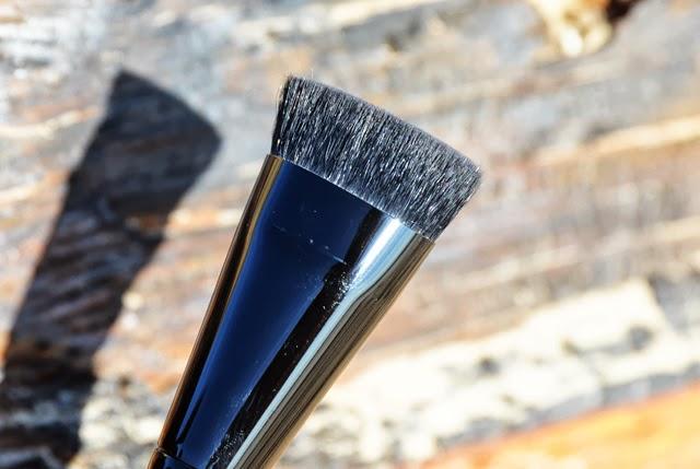 Illamasqua Blush Up Make-up Brush