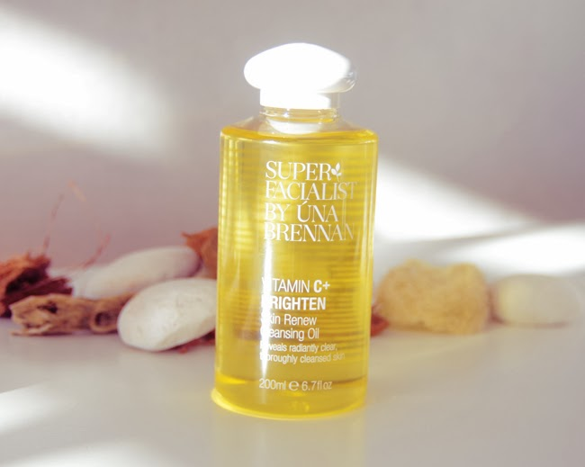 Una Brennan Super Facialist Vitamin C Skin Renewal Cleansing Oil