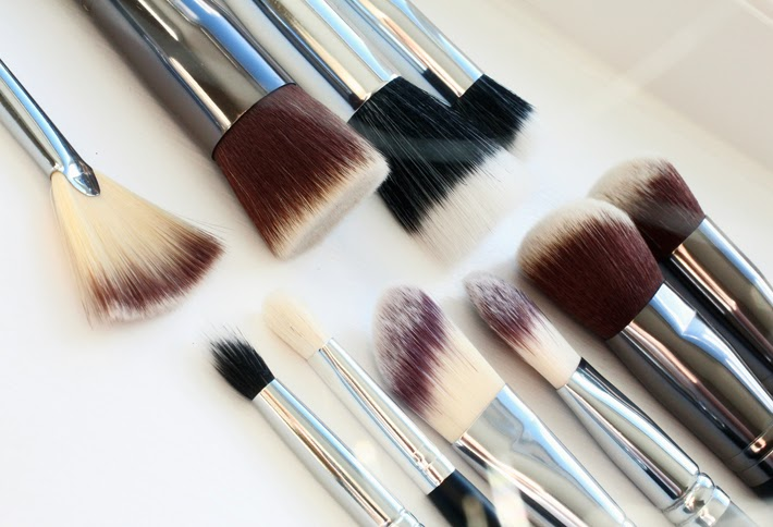 Crownbrush Contouring and Highlighting Brushes