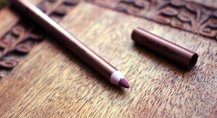 A beauty blogger reviews Charlotte Tilbury Lip Cheat Pillow Talk Lip Liner