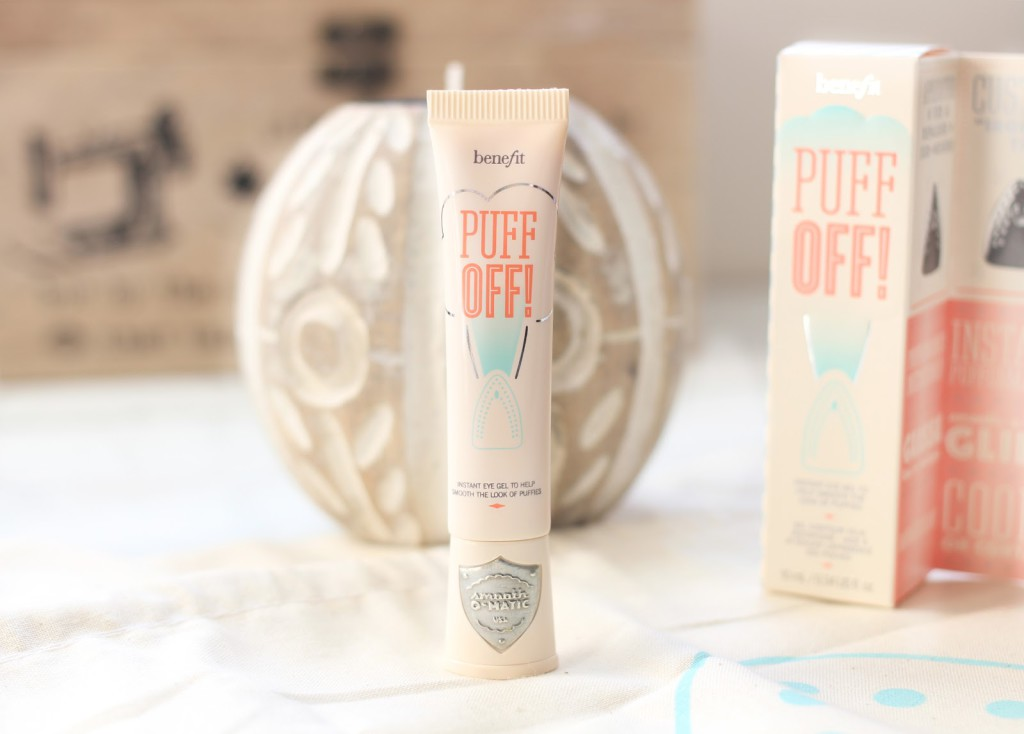 A beauty blogger reviews Benefit Cosmetics Puff Off