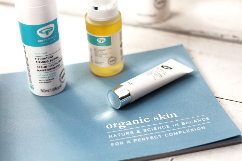 A beauty blogger reviews Green People Organic Skincare