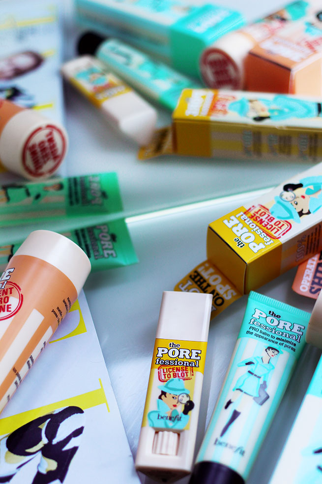 Beauty blogger reviews the new Benefit Cosmetics The PORE Fessional License to Blot!