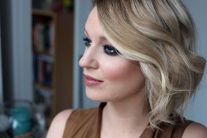Beauty blogger Zoe Newlove Creates Waves using the TONI & GUY Metal Fluid Styler
