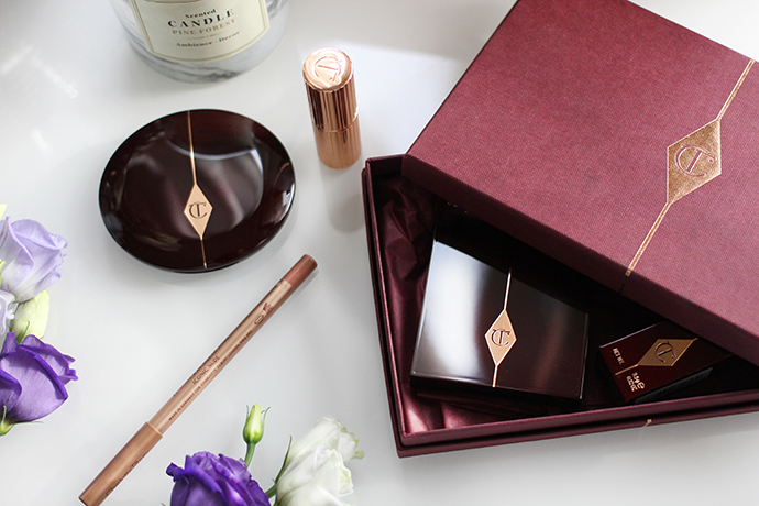 Beauty blogger zoe newlove reviews her Charlotte tilbury haul including dolce vita eyeshadow palette