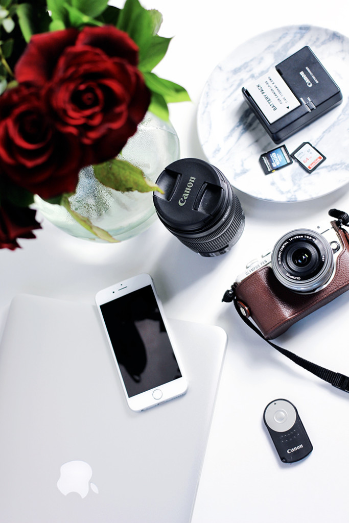 Beauty blogger zoe newlove adds to her photography series discussing the blogging equipment essentials