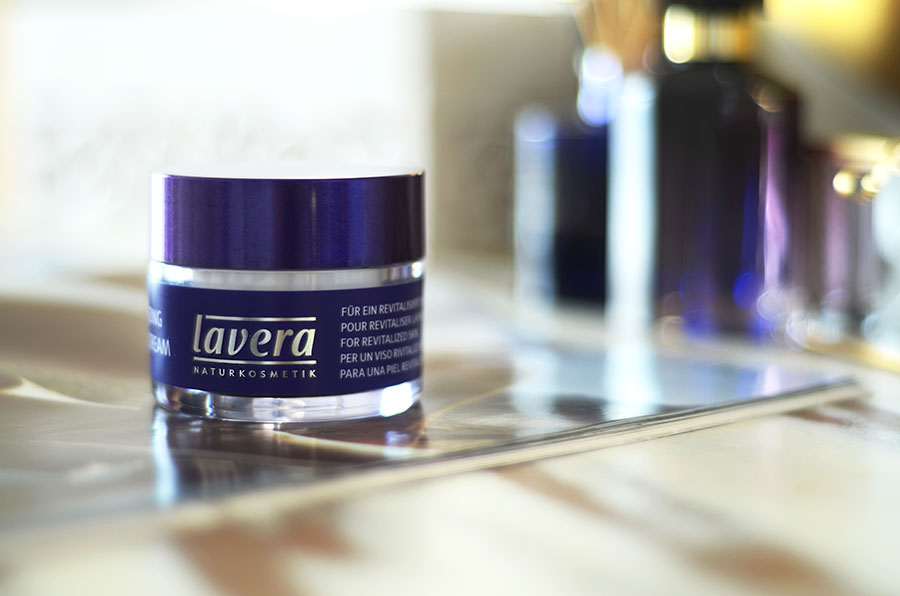Lavera-Re-energising-Sleeping-Cream-Organic-review-zoe-newlove