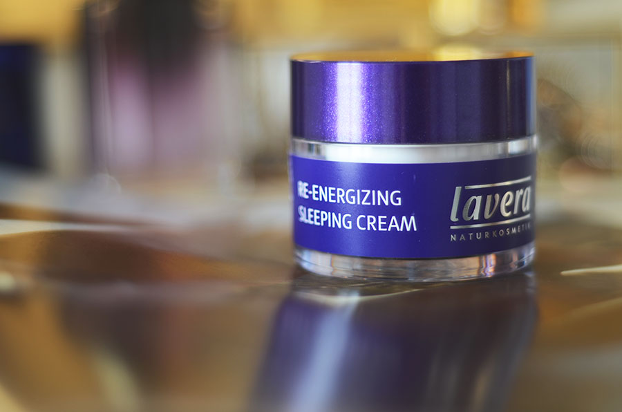 lavera-reenergising-sleeping-cream-organic-skincare-review-beauty-blogger-zoe-newlove
